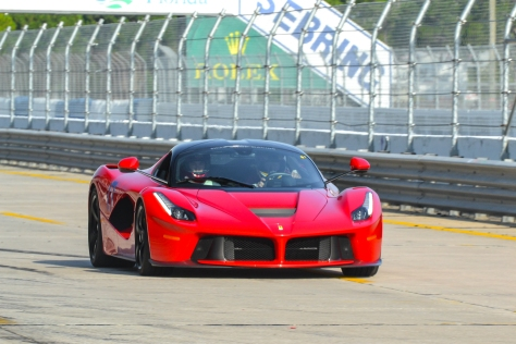 LA_Ferrari_Hunted-2-2