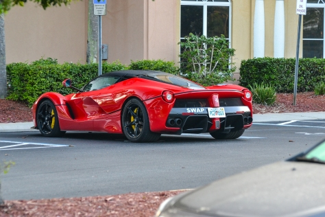 LA_Ferrari_Hunted-3-2